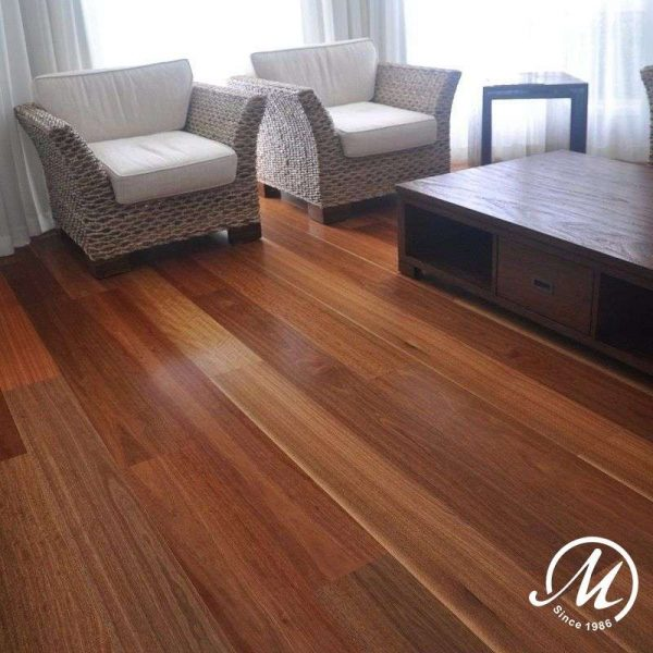 HMWSG1361418 HM Walk Spotted Gum 136mm